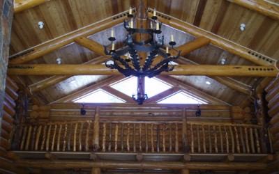 Log-truss-and-purlin-chinking